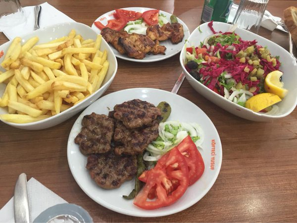 مطعم عافيات باشاك شهير